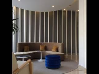 HOTEL MONTE PUERTATIERRA, Cadiz, España Hoteles de estilo moderno de Interiorismo Conceptual estudio Moderno