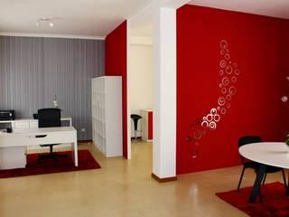 Remodelação de escritório: Escritórios  por Sara Silva - arquitecta,Minimalista