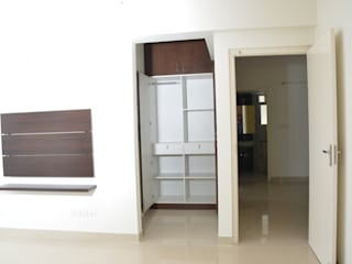 homify Asian style bedroom Plywood White
