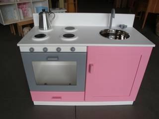 Móvel cozinha com acabamento:   por Vassourinha Rústica