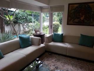 delhi bungalow:   by K2 Interiors