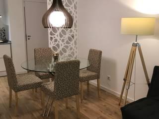 Comedores de estilo ecléctico de Alma Braguesa Furniture Ecléctico