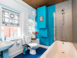 London Portman Refurbishment Classic style bathrooms by designSTUDIO - Lopes da Silva Classic