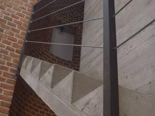 Corridor & hallway by Urbe. Taller de Arquitectura y Construcción, Minimalist
