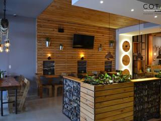 Famosta Café: Locales gastronómicos de estilo  por COTA Arquitectura + Paisajismo, Ecléctico