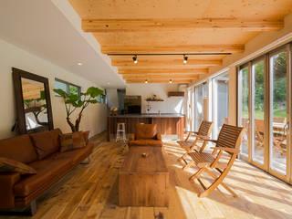 Eclectic style living room by 株式会社スタジオ・チッタ Studio Citta Eclectic