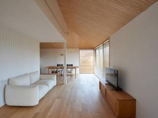 株式会社スタジオ・チッタ Studio Citta 现代客厅設計點子、靈感 & 圖片