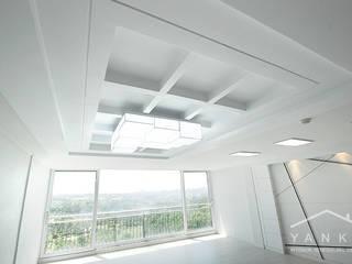 얀코인테리어 Salas de estar modernas