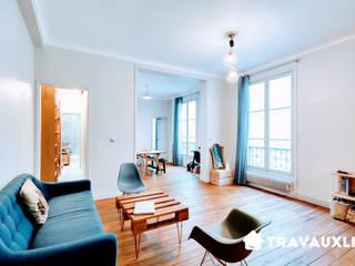 Rénovation complète appartement & Maison:  de style  par Travauxlib