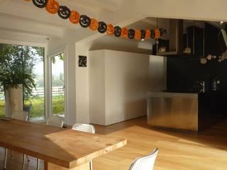 Salas de jantar minimalistas por Eusebi Arredamenti Minimalista