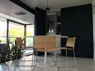 Eusebi Arredamenti Minimalist kitchen
