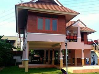 บ้านเรือนไทย วิภาวดีซอย20:   by OA66 Architect