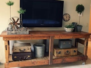 TV Unit Stand: rustic  by Pallet Furniture Cape Town, Rustic