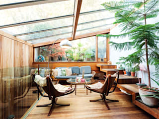 Fashion Street, E1 Modern Living Room by APT Renovation Ltd Modern