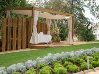 Jardines de estilo moderno de Verde Esquisso Lda. Moderno