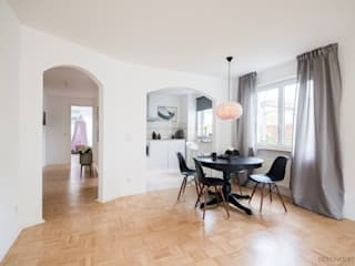 Scandinavian style dining room by Münchner home staging Agentur GESCHKA Scandinavian