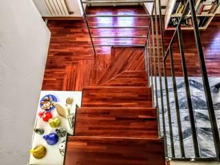Ristrutturazione appartamento - Torino: Pareti in stile  di artom & zanotti architetti associati
