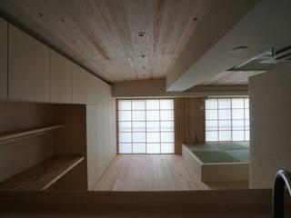 南港の家_木のマンションリノベーション 和風デザインの リビング の 近藤晃弘建築都市設計事務所 和風