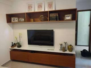 Casa dos Armários Living roomCupboards & sideboards MDF White