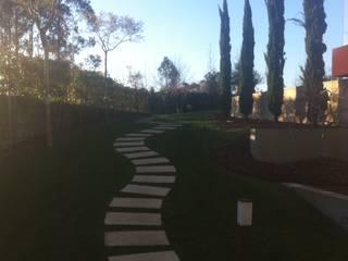 Jardim Particular Maia: Jardins modernos por Marcos sousa