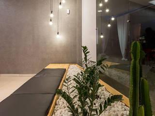 Loja Nexo - Brumadinho/MG Espaços comerciais minimalistas por Mímesis Arquitetura e Interiores Minimalista