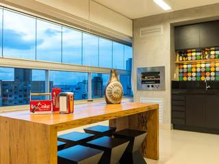 Apartamento Bairro Buritis - BH/MG Varandas, alpendres e terraços modernos por Mímesis Arquitetura e Interiores Moderno