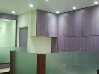 Office project in Malviya nagar, New delhi:   by The plan design and construction