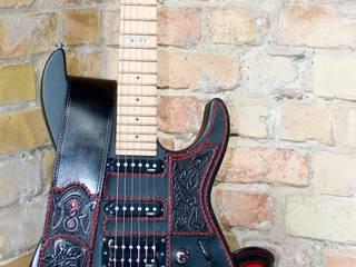Gitarre Lederdesing:   von Merlin-Style