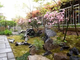 Jardines de estilo ecléctico de 庭咲桜(にわざくら) Ecléctico