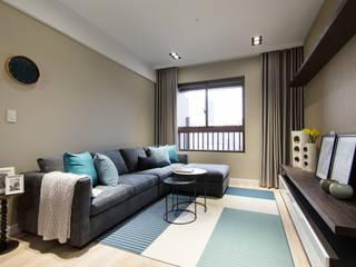 Livings de estilo moderno de 宅即變空間微整形 Moderno