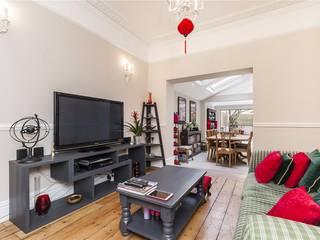 Chesilton Road, Fulham, SW6 Modern Living Room by APT Renovation Ltd Modern