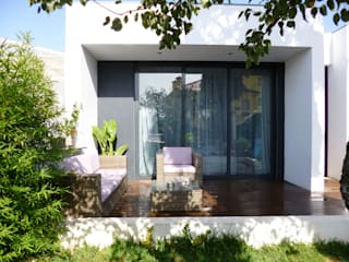 Modern Terrace by Peritraço Arquitectura Modern