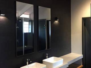 Kamar Mandi Gaya Skandinavia Oleh Black Canvas Architectural Interiors Skandinavia