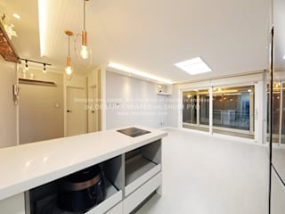 Phòng ăn phong cách hiện đại bởi 쉼표디자인SHUIMPYO DESIGN Hiện đại