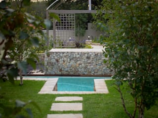 Rogers - Pool area:  Garden by The Friendly Plant (Pty) Ltd