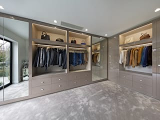 Mulberry:  Dressing room by The Wood Works