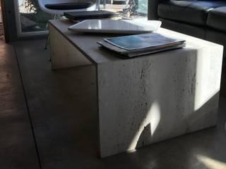 Mesa de Centro.: Livings de estilo moderno por Muebles Menard