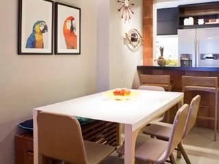 Modern Dining Room by PKB Arquitetura Modern