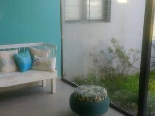 Nueva galería: Livings de estilo moderno por Luciano R. Varino