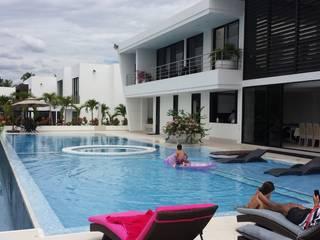 """Casa Campestre Condominio """"El Peñon"""" Girardot / Tel: 3125831655: Casas de estilo  por Construcciones Cubicar S.A.S"""