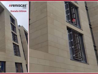 STUDEN RESIDENCE de ARENISCAS STONE Moderno