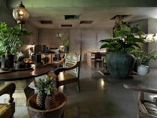 Phòng khách phong cách nhiệt đới bởi 本晴設計 Nhiệt đới