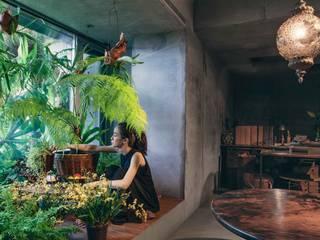 Vườn phong cách nhiệt đới bởi 本晴設計 Nhiệt đới