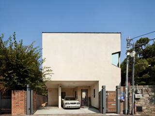 남서측 외관: (주)건축사사무소 모도건축의  주택