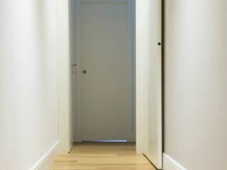 Koridor & Tangga Gaya Mediteran Oleh quadrato | studio di architettura Mediteran