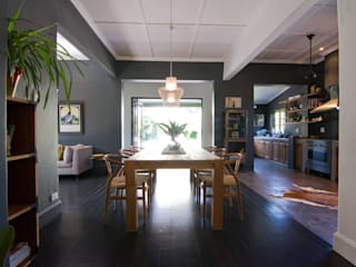 House Morningside:  Dining room by Ferguson Architects