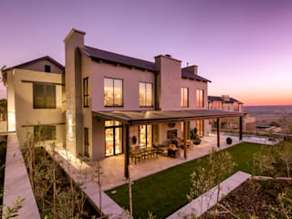 Modern houses by Gelding Construction Company (PTY) Ltd Modern