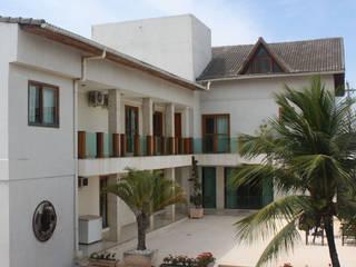 Residência: Casas  por DHN arquitetura,Clássico