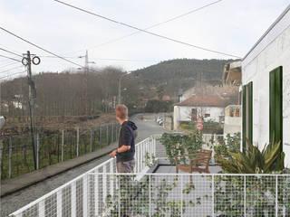 Modern Terrace by VALECALVETE Modern