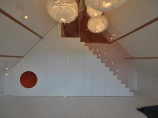 modern  by Marks - van Ham architectuur, Modern
